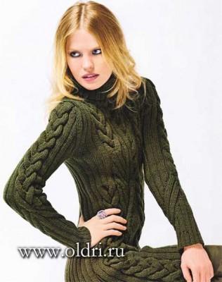 Теплое вязаное платье спицами с косами - фото, схемы и описание