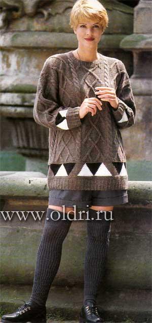 вязаный пуловер спицами с аранами