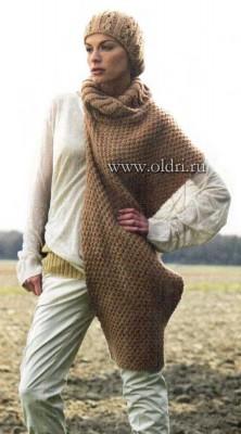 Вязаная шапочка и накидка-шарф