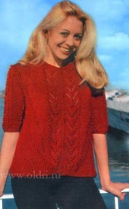 Вязаная красная кофта для женщин спицами