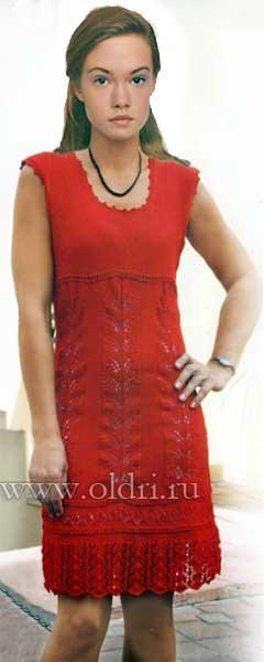 Вязаное платье с ажурной каймой